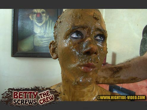 Hightide - Betty Screws The Crew (extreme scat video)