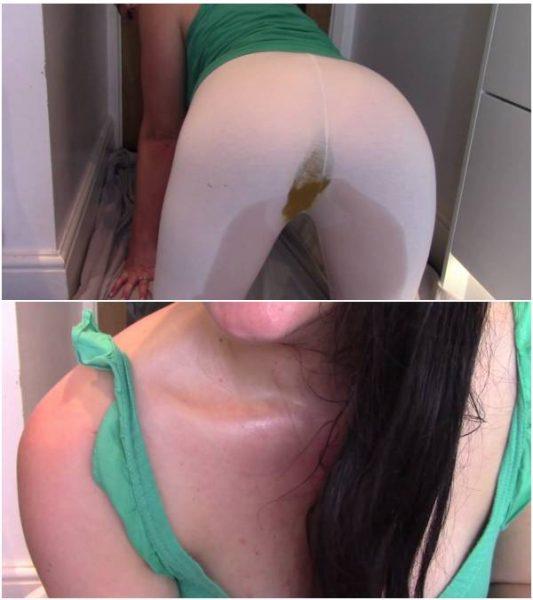 EvaMarie88 - Shitting And Peeing In My Leggings