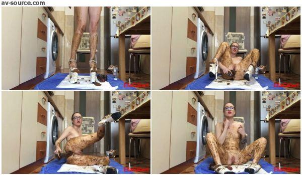 Ella Gilbert - Extreme Body Smearing (women scat video)