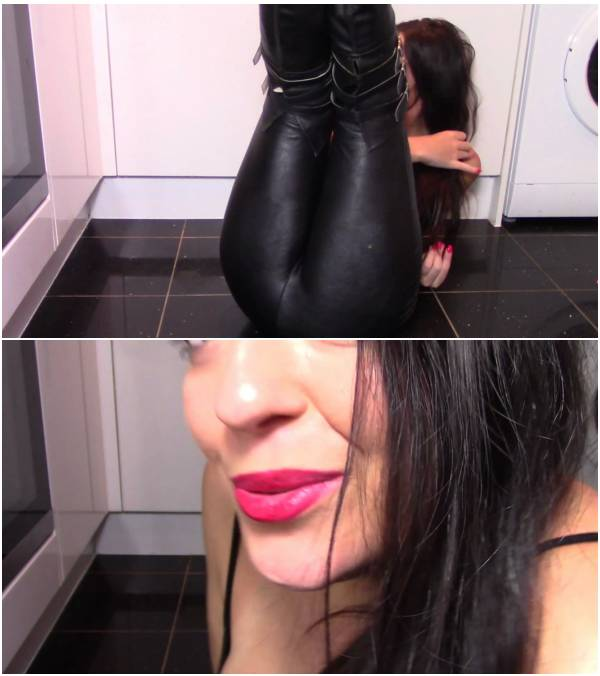 EvaMarie88 - Leather Farts And Shit (scat porn videos free)