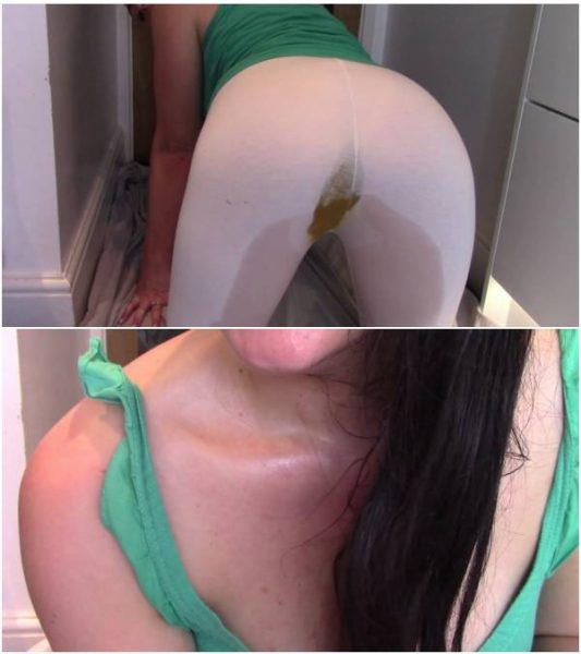 EvaMarie88 - Shitting And Peeing In My Leggings