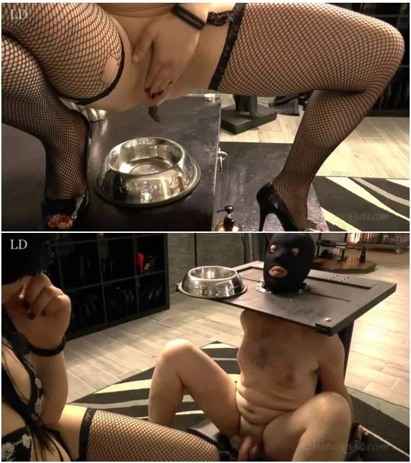 MistressGaia - Butt Plugg Scat Slut (women scat videos)
